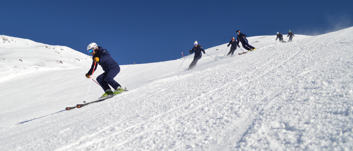 About the ski school - team carving photo